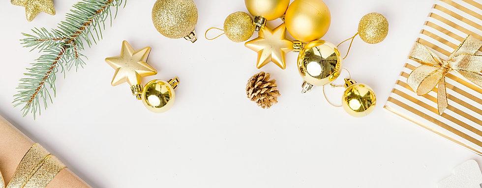 décorations et cadeaux de noël de couleur doré