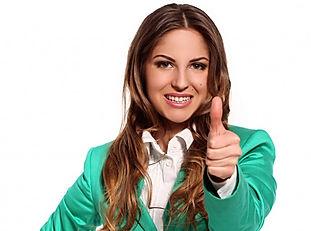 femme-affaires-costume-vert_edited.jpg