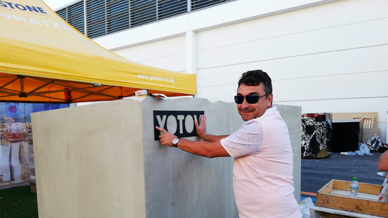 CEO Dimcho Yotov labeling the Blocks