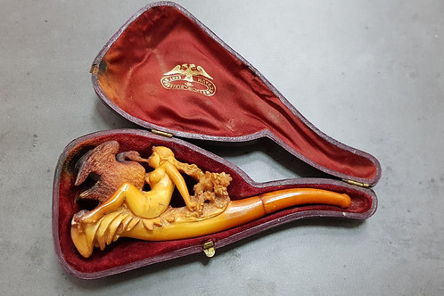 "Large Meerschaum & Amber Cigarette Holder ""Leda and the Swan"""