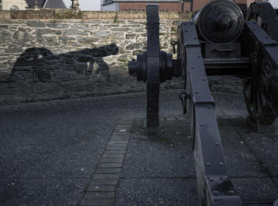 Canon. Ferryquay Bastion, Derry City Wall