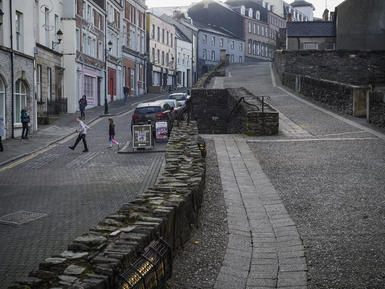 Magazine Street. Derry City Wall.