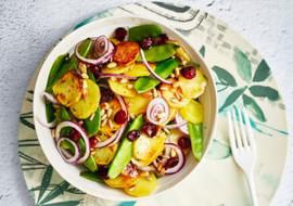 Salade de primeurs et pignons