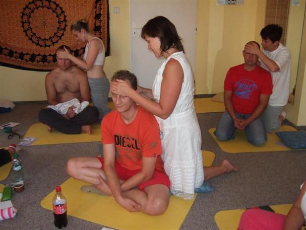 INPROV Indická masáž hlavy