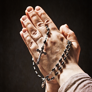 Praying-hands-and-rosary-767471.png