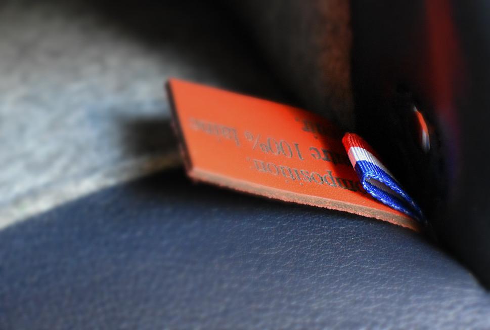 Etiquette bleu, blanc, rouge sur un produit fabriqué en France