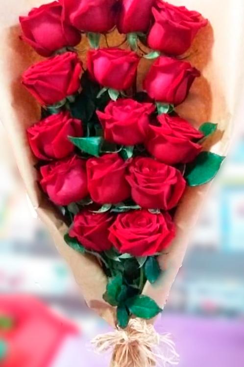 Ramalhete com 15 Botões de Rosa