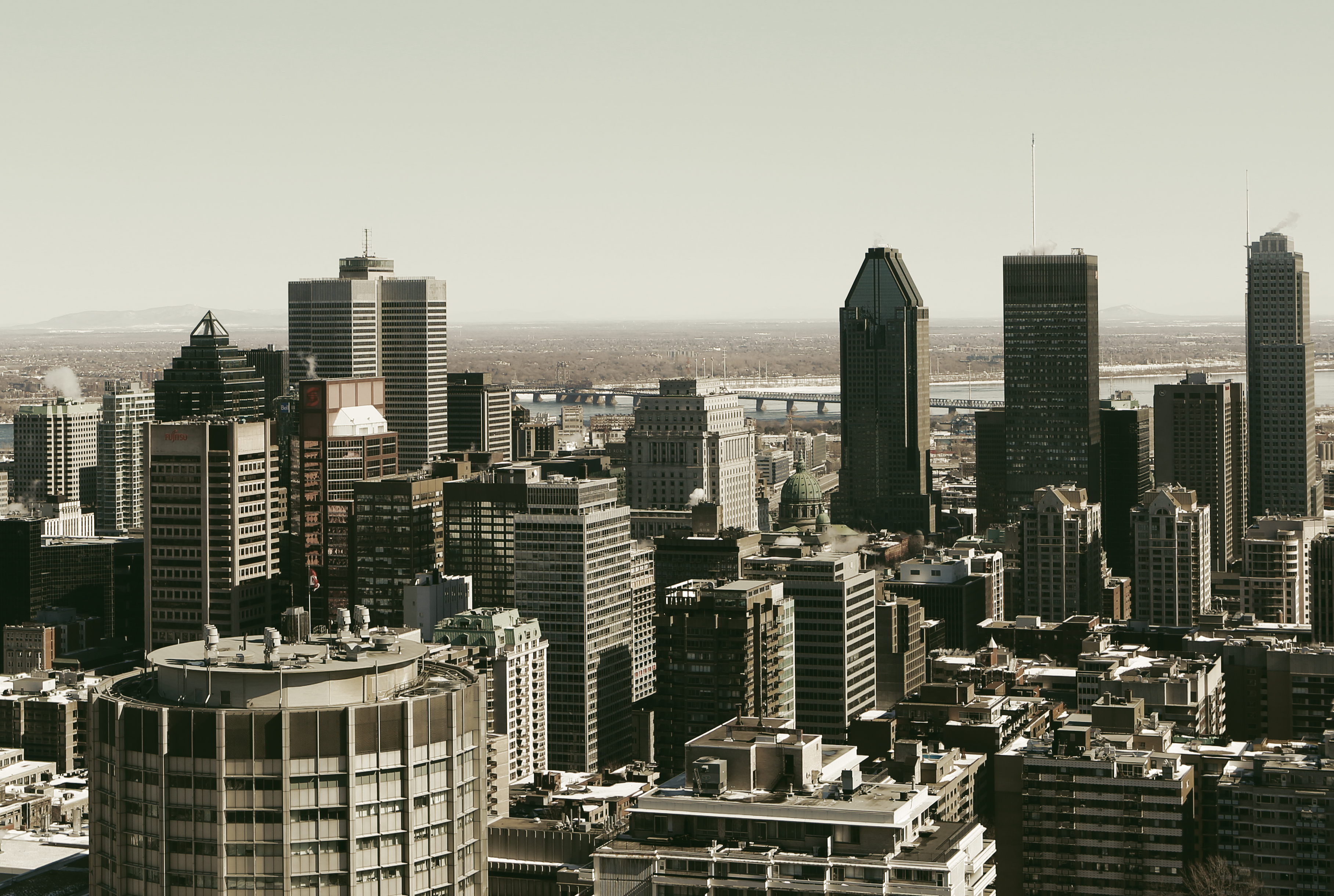 2014-05-Life-of-Pix-free-stock-photo-city-Montreal-skyline.jpg