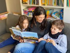 Riham_Shendy_family_reading_Kan_Yama_Kan