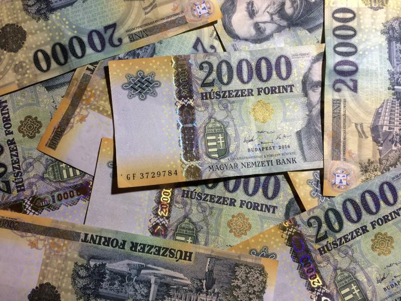 pénz pénz pénz