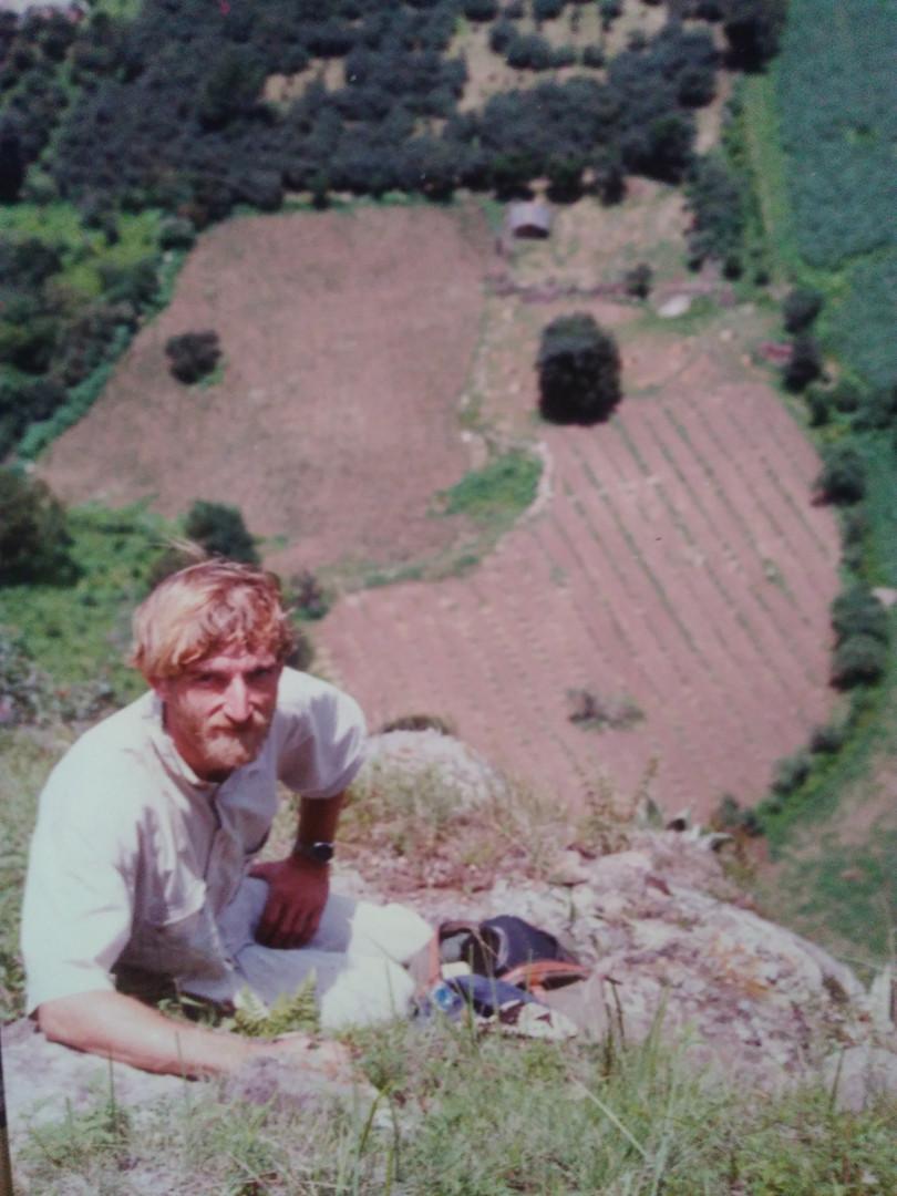 Trazado y siembra de los primeros manzanos