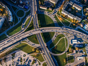 Innovate or Die: How Cities Force Car Industry to Change
