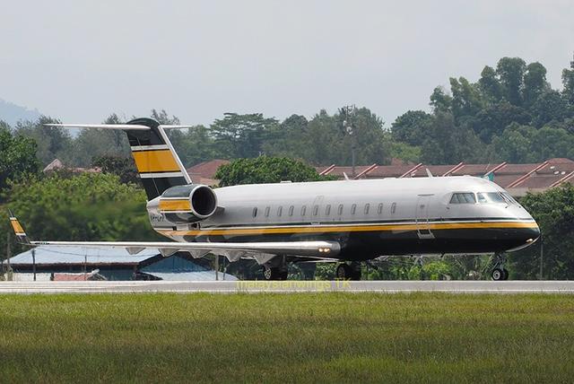 CRJ200LR