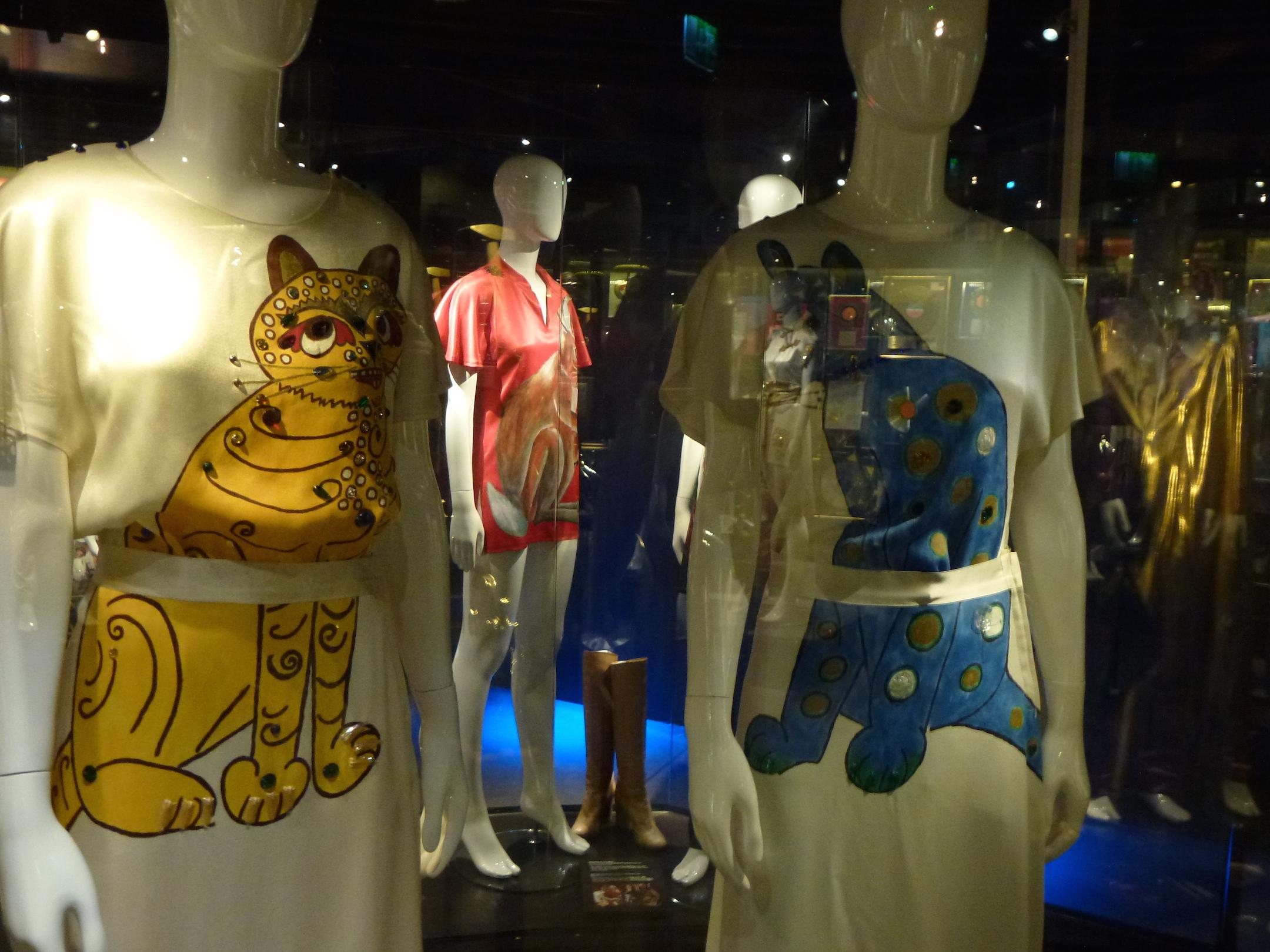 cats-costumes (1).jpg