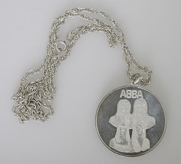 silver medallion - uk.jpg