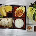 LB2. 보쌈 런치 Bossam Lunch (菜包肉便当)