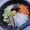R1. 돌솥비빔밥 Stone Bowl Bibimbab (韓式石鍋拌飯)