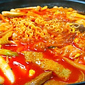 T7. 즉석떡볶이 Hot-Pot Tteokbokki (辣炒年糕火锅) (Spicy) for 2