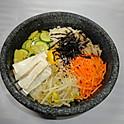 R2. 두부 돌솥비빔밥 Tofu Stone Bowl Bibimbab (豆腐石鍋拌飯)