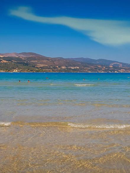 filealykanas_beach_zakynthos_233823075_b