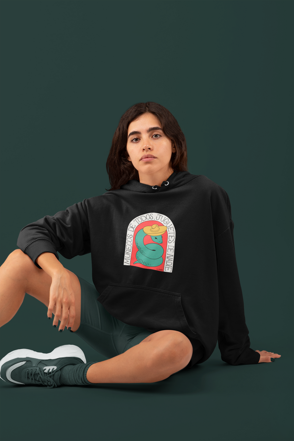 monochromatic-sweatshirt-mockup-featurin