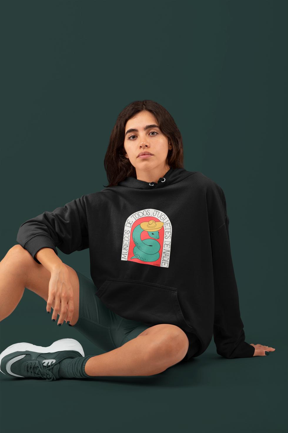 monochromatic-sweatshirt-mockup-featurin
