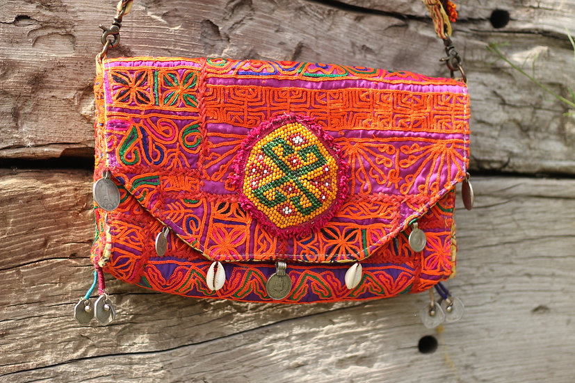 TRILOK Gypsy Clutch