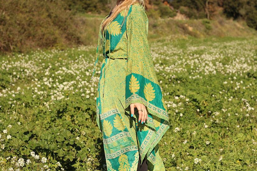 SAHODARI Lakshmi Kimono