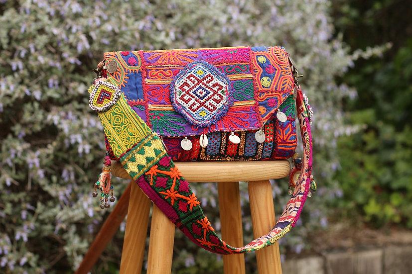 RAHITA Gypsy Clutch