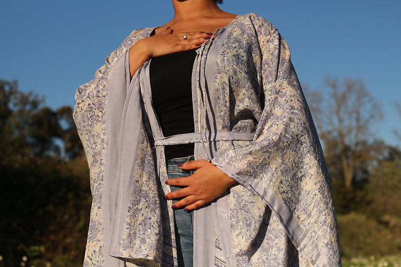 TRIGUNATMIKA Lakshmi Kimono