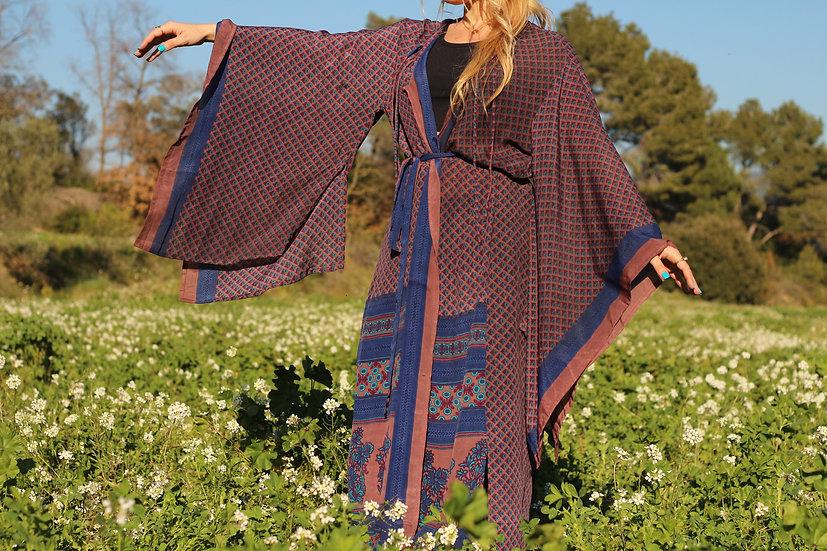DATRI Lakshmi Kimono