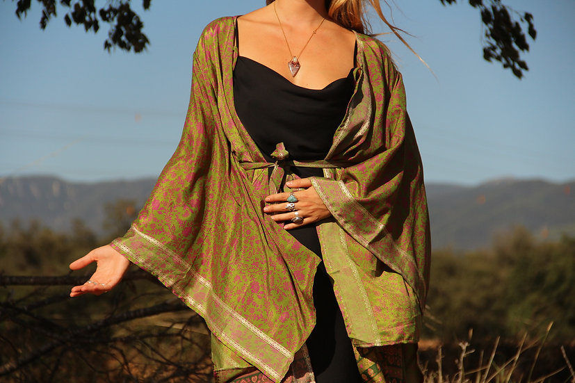 SUPRATISTHA Lakshmi Kimono