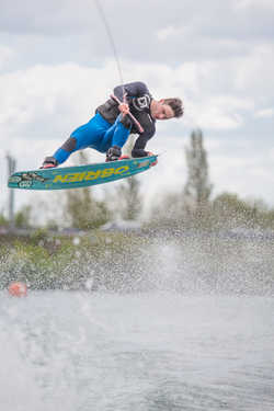 Advanced wakeboarding lessons near Reading Berkshire