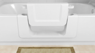 La conversion du bain permet un accès facile aux personnes âgées et à mobilité réduite