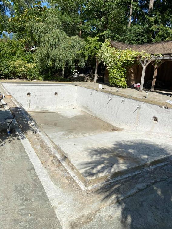 Pete the Poolman Pool Construction