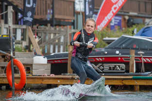Wakeboarding lessons near Reading