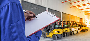 technician Check list forklift at wareho
