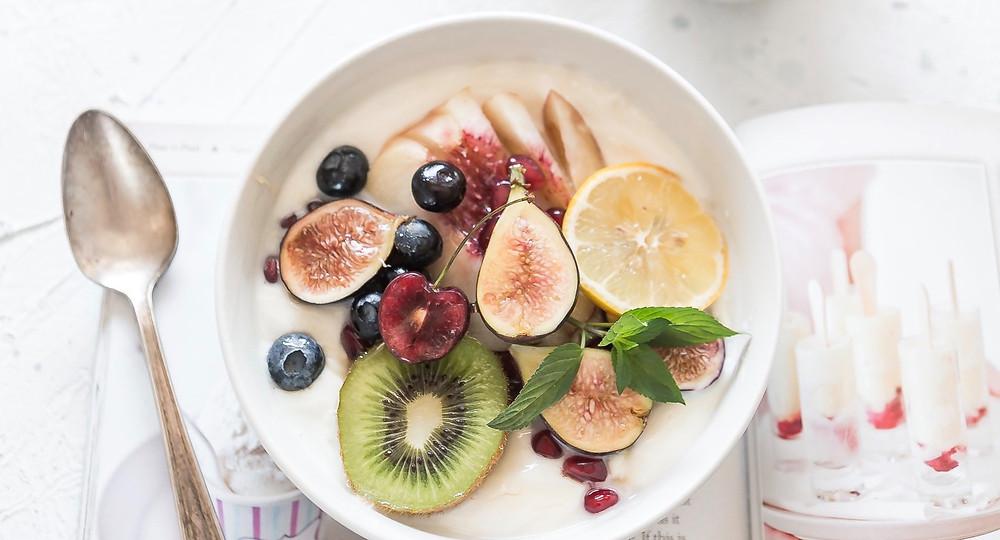 healthy fruit and porridge