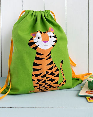 tiger-drawstring-bag-26875-lifestyle.jpg
