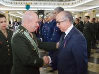 Presidente da Finep recebe honraria do Exército