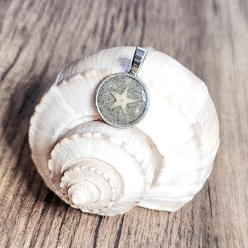 Carolina Beach Sand Small Starfish Circle Pendant Necklace