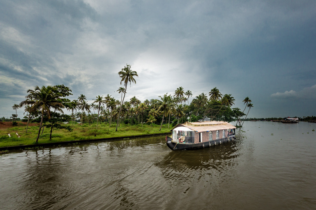 House Boat-4.jpg