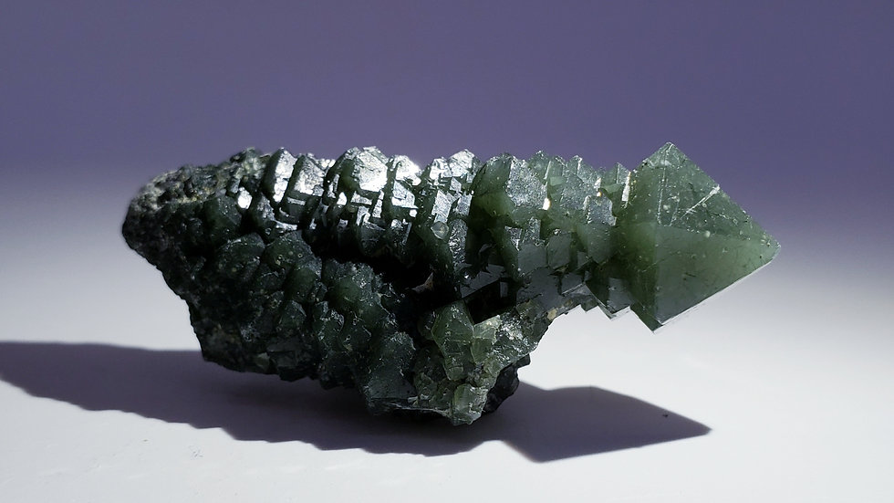 Quartz with Hedenbergite Inclusions and Intergrowth Calcite from Inner Mongolia