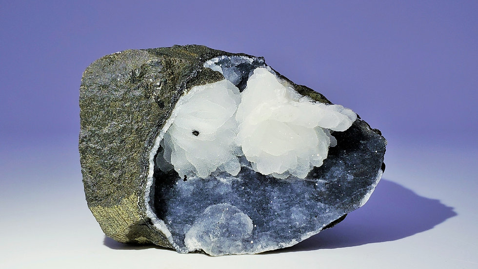 Chalcedony Geode from Nashik Quarry, India