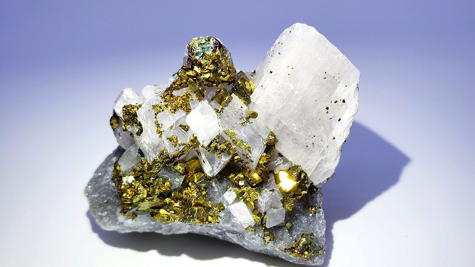 Collector's Piece: Chalcopyrite on Calcite from Daye Copper Mine