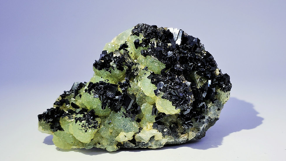 Babingtonite on Prehnite from Hongquizhen Quarry, Meigu Co., China