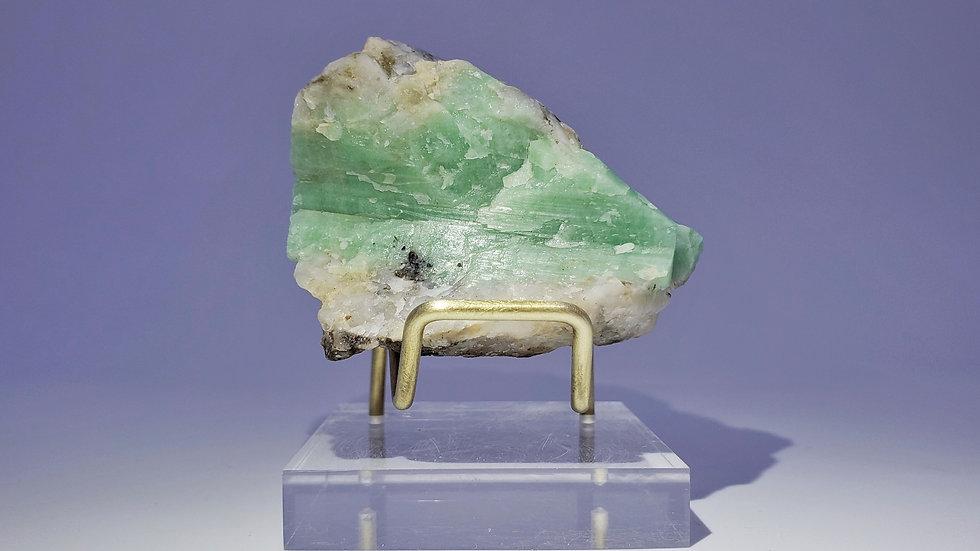 Beryl var. Emerald in Quartz from Dayakou Emerald Mine