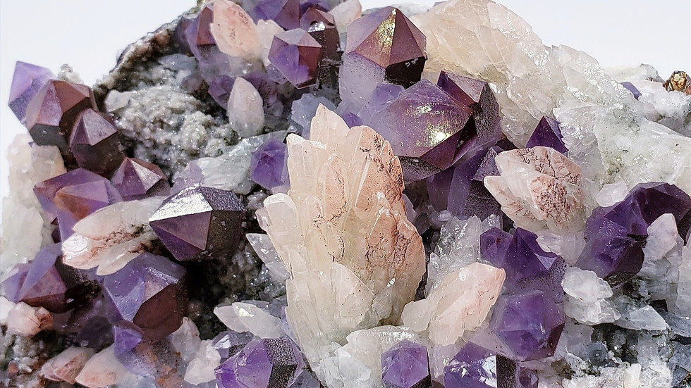 Amethyst and Calcite from Fengjianshan Mine, Daye Co., China