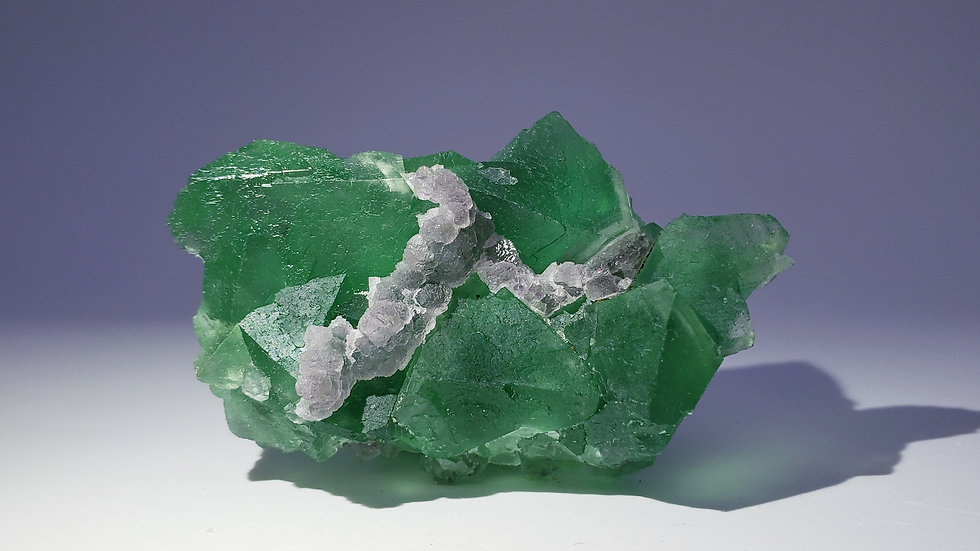 Emerald Green Fluorite (Fluorescent) from Yiwu Co.
