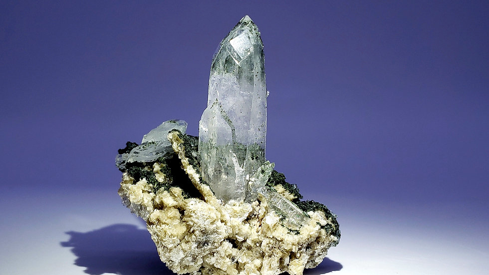 Quartz with Fluorite, Epidote, Arsenopyrite and Muscovite from Yaogangxian Mine